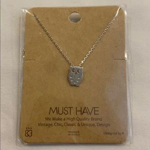 """NWT Must Have 18"""" OWL Silvertone Necklace New Gift"""
